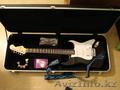 электро-гитара Squier Bullet Stratocaster HSS RW