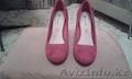 Продам красные замшевые туфли